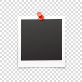 Retro fotolijst met pin geïsoleerd op transparante achtergrond