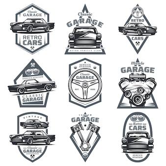 Retro voertuig club emblemen set met klassieke auto's stuurwiel motor motor zuigers in vintage stijl geïsoleerd