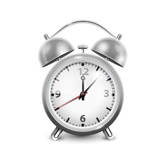 Retro wekker in metaalhuisvesting met twee die klokken op witte realistische vectorillustratie worden geïsoleerd als achtergrond