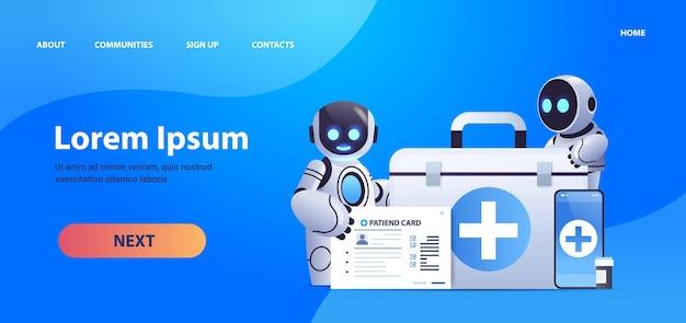 Robotartsen met medische ehbo-kit en patiëntenkaart gezondheidszorg geneeskunde kunstmatige intelligentie technologie