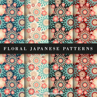 Rode en blauwe bloemen japanse patroon