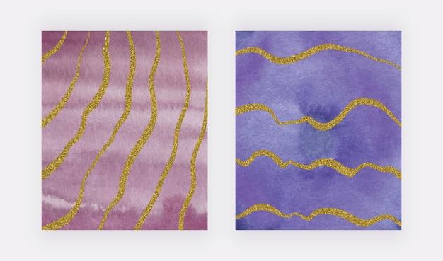 Rode en paarse aquarel penseelstreek textuur met gouden glitter lijnen uit de vrije hand