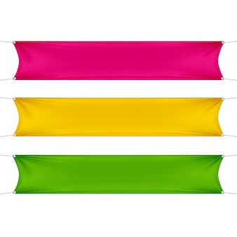 Rode, gele en groene lege lege horizontale rechthoekige banners set met hoeken touwen.