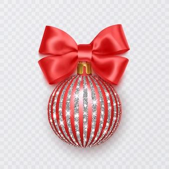 Rode kerstbal met strik nieuwjaarsdecoratie geïsoleerd op een witte achtergrond