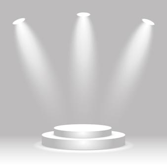 Rond wit podium verlicht door drie schijnwerpers leeg winnaarsokkel podium voor prijsuitreiking