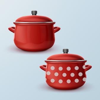 Rood geëmailleerde steelpannen met en zonder witte stippen