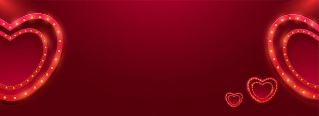 Rood hart vormt banner