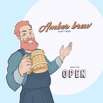 Roodharige man met een grote baard en snor houdt een pul bier en een glimlach.