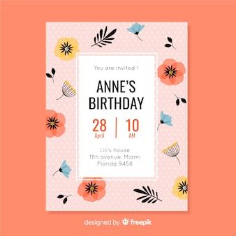 Roze bloemenuitnodiging voor verjaardag van kinderen