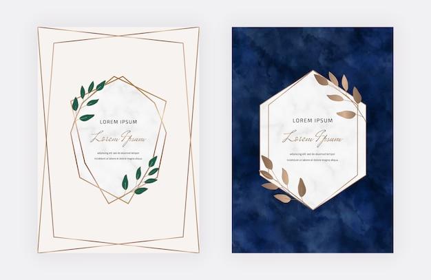 Roze en donkerblauwe botanische ontwerpkaarten met geometrische marmeren kaders en bladeren. trendy sjablonen