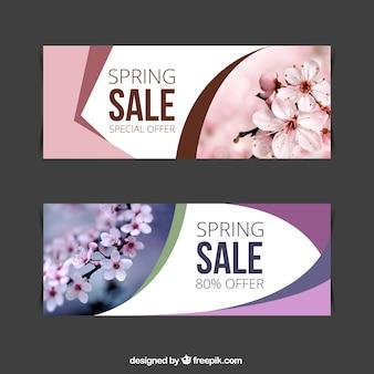Roze en paarse lente verkoop banners met foto