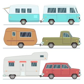 Rv-auto's, reizende stacaravans, gezinskampeerwagens, campervoertuigen geïsoleerd