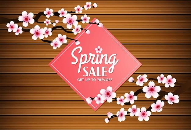 Sakura vallende bloemblaadjes vector op houten banner achtergrond.