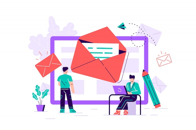 Samenstelling met gigantische tablet-pc, brief in envelop op het scherm, groep van werkende mensen of team van marketeers. e-mailmarketing, internetreclame, online promotie. platte vectorillustratie.