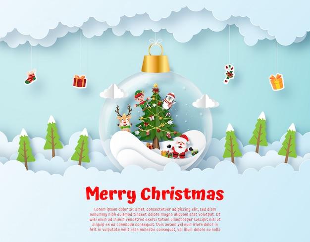 Santa claus en vriend in hangende kerstbal aan de hemel