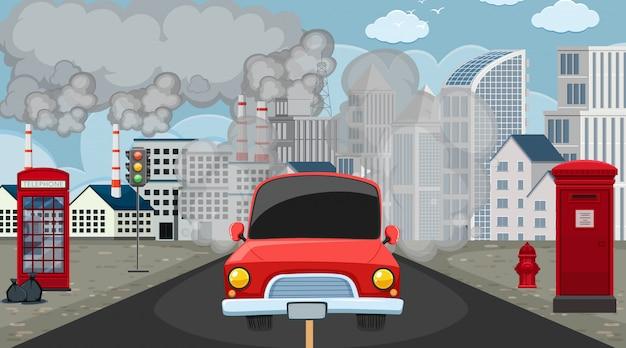 Scène met auto en fabrieksgebouwen die vuile rook in de stad maken