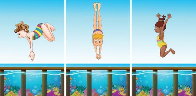 Scènes met mensen die in de oceaan duiken