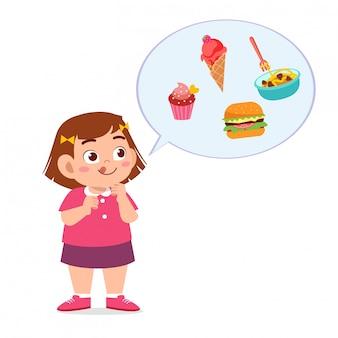 Schattig dik kind meisje eet junk food