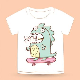 Schattig hand getekend monster op skateboard voor t-shirt