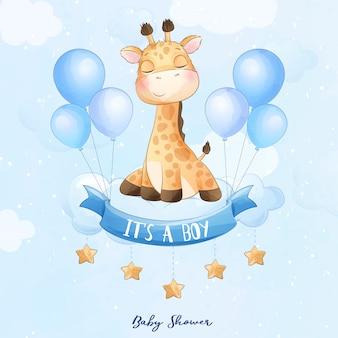 Schattige baby giraf zitten in de wolk met aquarel illustratie