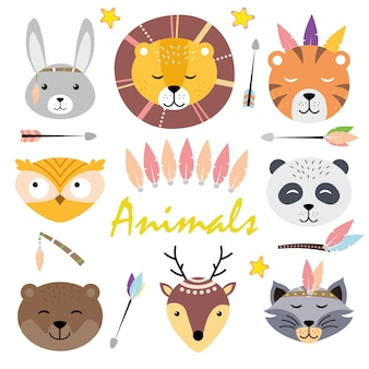 Schattige dierengezichten. hand getekende karakters. haas, leeuw, tijger, panda, uil, beer, wasbeer, hert