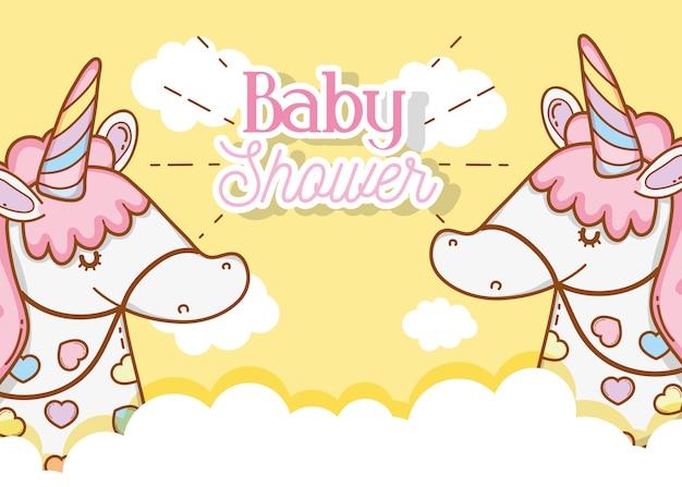 Schattige eenhoorns in de wolken tot baby shower decoratie