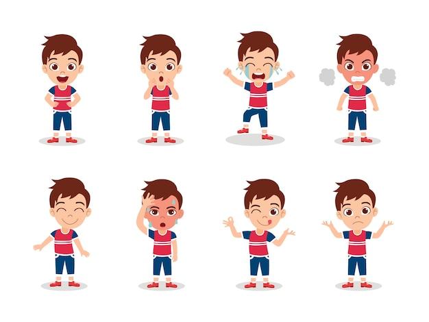 Schattige jongen jongen tekenset geïsoleerd met verschillende emotie-uitdrukkingen en acties