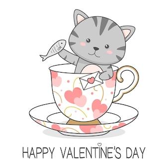 Schattige kat in een beker met liefdesbrief en vis