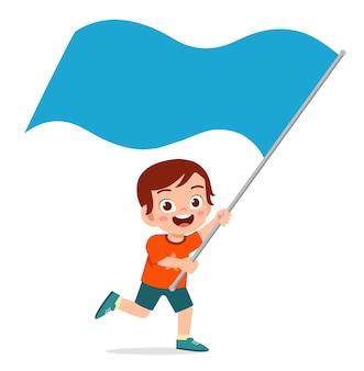 Schattige kleine jongen rennen en vlag te houden