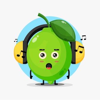 Schattige limoen mascotte luisteren naar muziek