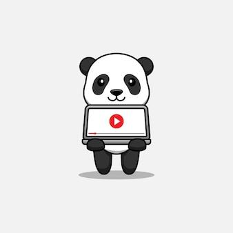 Schattige panda die video afspeelt op laptop