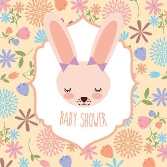 Schattige vrouwelijke konijn baby shower bloemen kaart