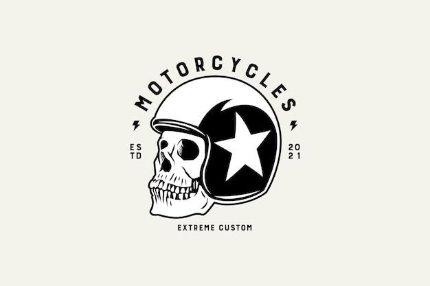 Schedel in het logo-ontwerp van motorfietsen helm