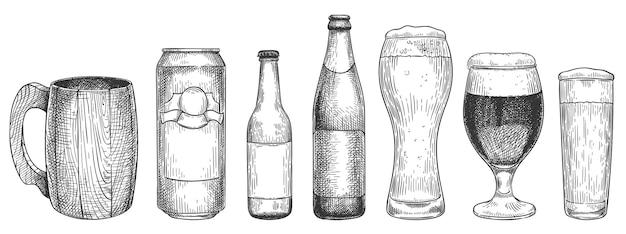 Schets bier. bierglazen, mokken en flessen bier, object voor web, poster en uitnodigingsfeest of pub menu vintage hand getrokken vector set. bierglasgravure, drankschets met schuimillustratie