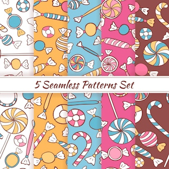 Schets doodle snoepjes snoep naadloze patronen set. vector 5 naadloze kleurrijke patroonachtergronden. handgetekende cafe, winkel, eten en restaurant dessert sjablonen.