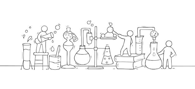 Schets van chemisch experiment met werkende kleine mensen, bekerglas. doodle schattige miniatuur van teamwork en materiaalonderzoek. hand getekend cartoon vectorillustratie voor biologie en chemie.