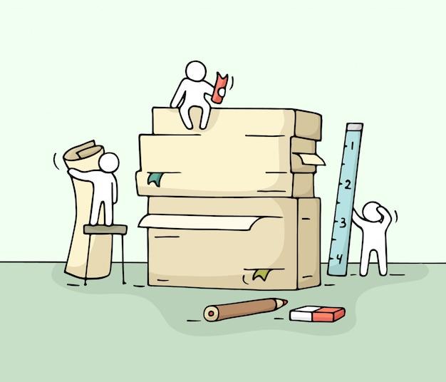 Schets van het werken van kleine mensen met een stapel papier, kantoorbenodigdheden.