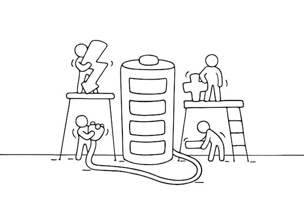 Schets van werkende kleine mensen met batterij. doodle schattige miniatuurscène van arbeiders met oplader. hand getekend cartoon vectorillustratie.