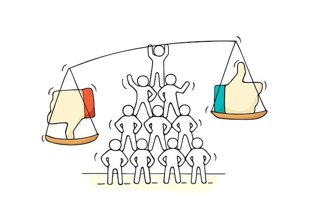 Schets van werkende kleine mensen met schaal. hand getekend cartoon illustratie voor social media design.