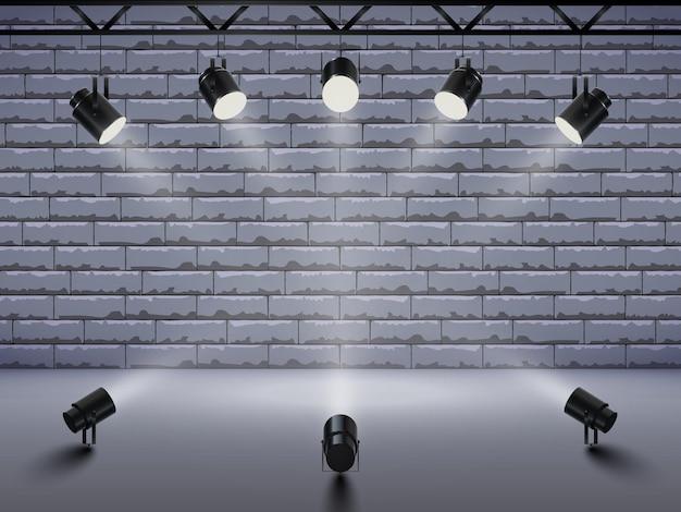 Schijnwerpers met helder licht schijnt podium.