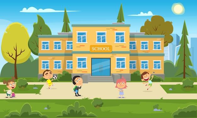 Schoolgebouw en kinderen in de voortuin van de school.