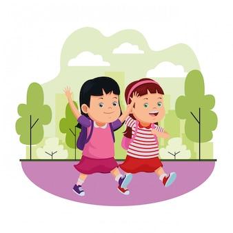 Schoolkinderen glimlachen met rugzakken