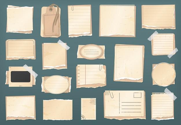 Scrapbooking vintage papier set, plakboekstickers, oude aantekeningen op gescheurd papier en retro antieke etiketten, frames. plakboek gescheurde papiersnippers, tag, notities en grunge kartonnen ansichtkaart met stempel