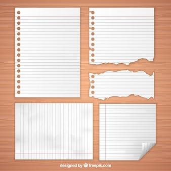 Selectie van de blanco vellen papier met verschillende maten