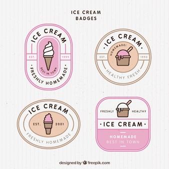 Selectie van vintage badges met smakelijke ijsjes