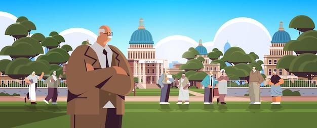 Senior mensen wandelen in het park volwassen mannen vrouwen groep tijd doorbrengen buiten ouderdom concept stadsgezicht achtergrond horizontale volledige lengte vectorillustratie
