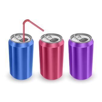 Set aluminium blikjes blauw, roze en paars kleuren, geïsoleerd op een witte achtergrond