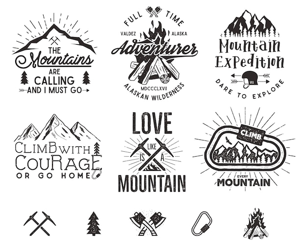Set bergbeklimmen etiketten, bergen expeditie emblemen, vintage wandelen silhouetten logo's en ontwerpelementen.