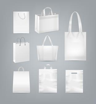 Set boodschappentassen met handvat gemaakt van wit papier plastic