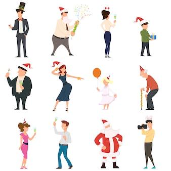 Set cartoon mensen dansen vieren mensen die plezier hebben op het nieuwe jaarfeest.